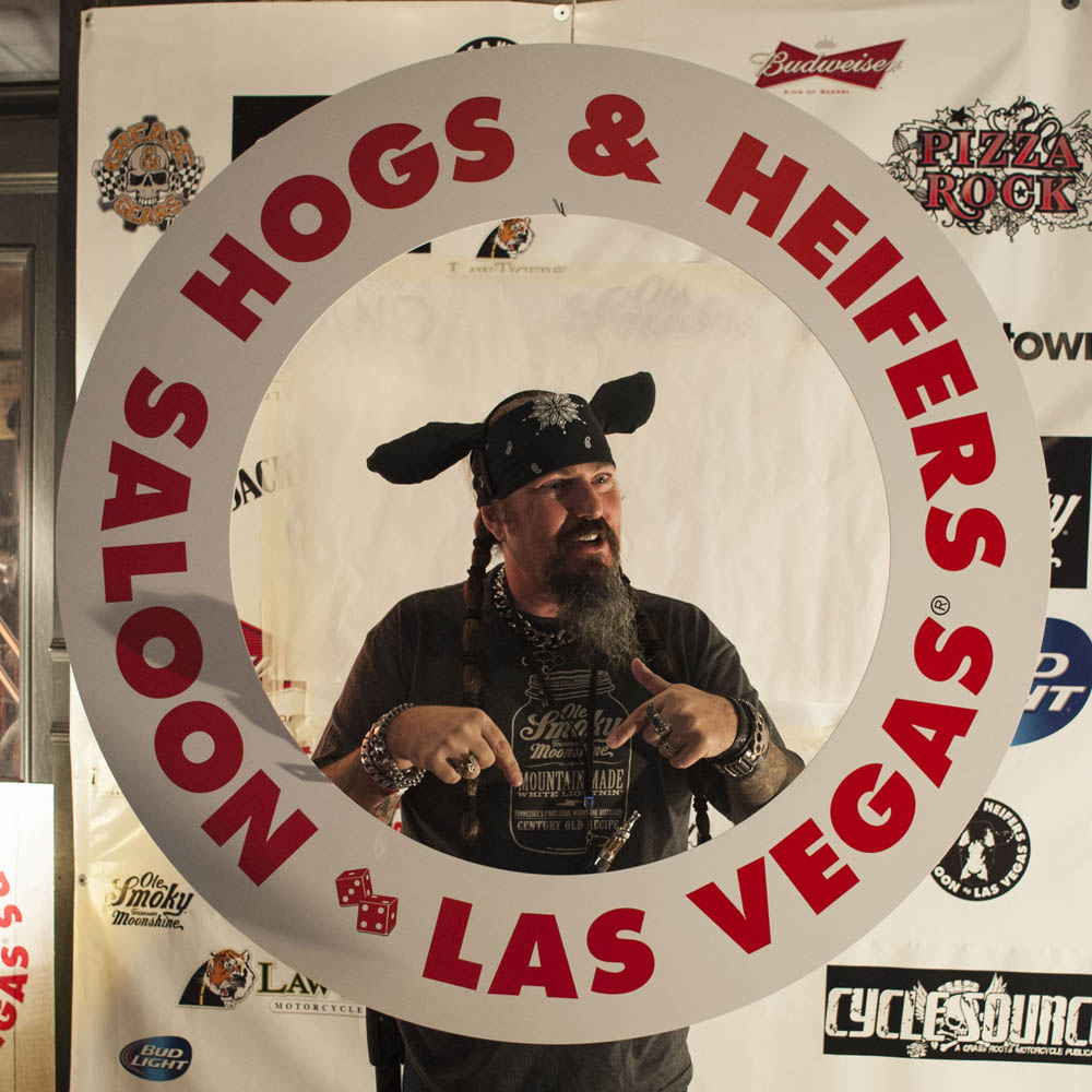 Hogs and Heifers Saloon_0060