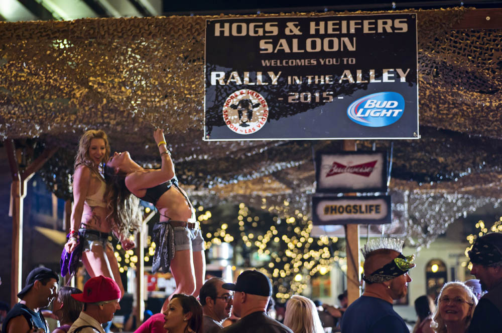 Hogs and Heifers Saloon_0074