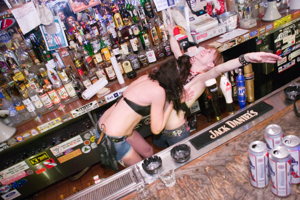 Hogs and Heifers Saloon_0142
