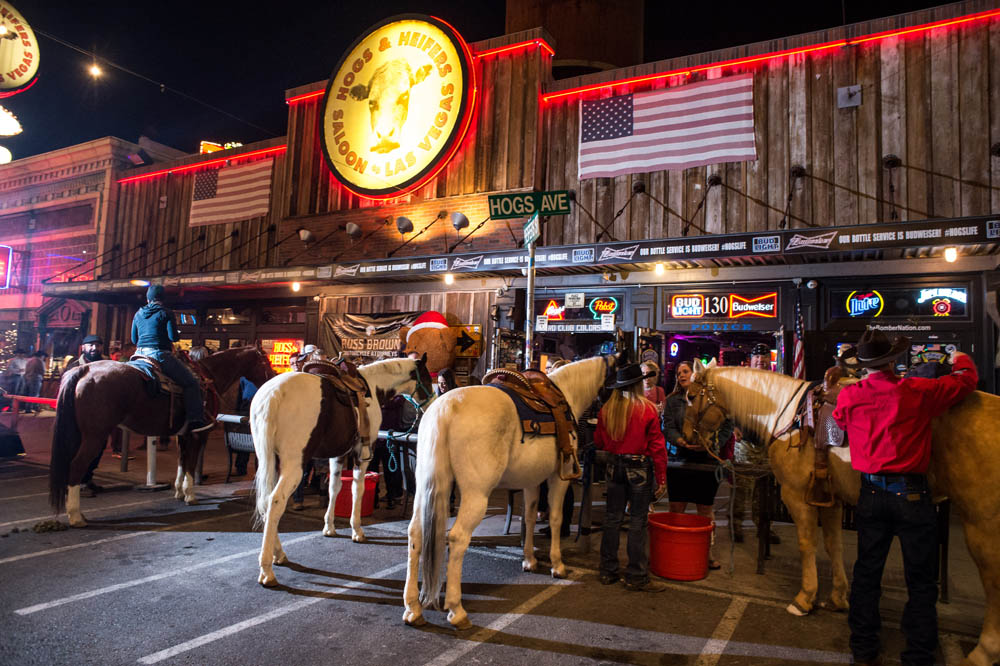 Hogs and Heifers Saloon_020
