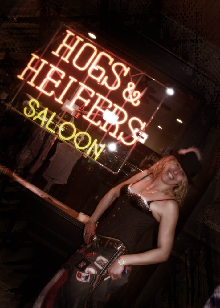 Hogs and Heifers Saloon_0222