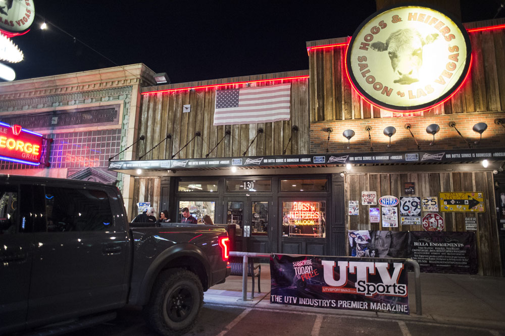 Hogs & Heifers Saloon_0137