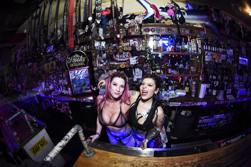 Hogs & Heifers Saloon_0517