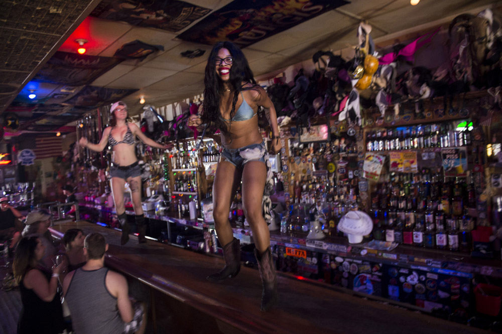 Hogs_and_Heifers_Saloon_Las_Vegas_0083