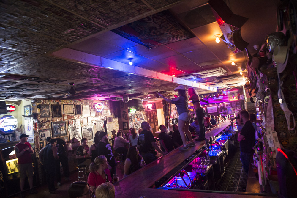 Hogs_and_Heifers_Saloon_Las_Vegas_0153