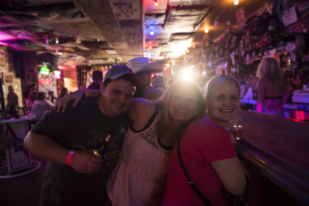 Hogs_and_Heifers_Saloon_Las_Vegas_0155