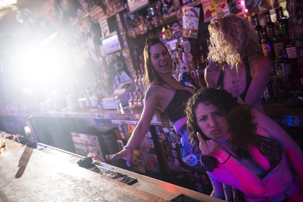 Hogs_and_Heifers_Saloon_Las_Vegas_0162
