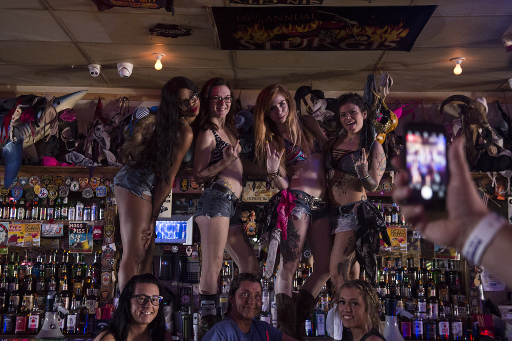 Hogs_and_Heifers_Saloon_Las_Vegas_0167