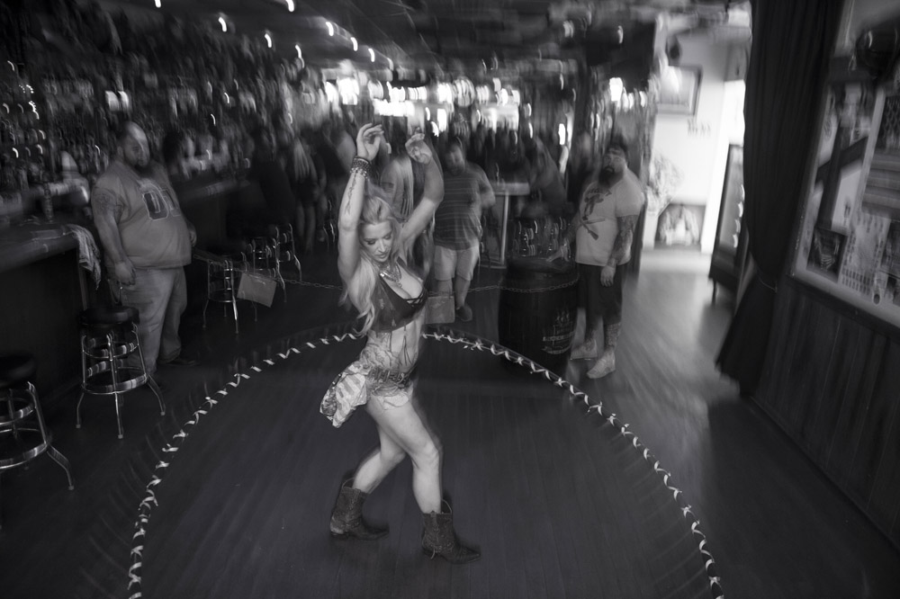 Hogs_and_Heifers_Saloon_Las_Vegas_0188