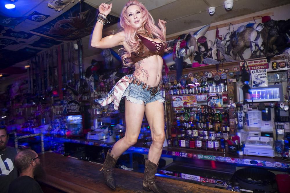 Hogs_and_Heifers_Saloon_Las_Vegas_0190