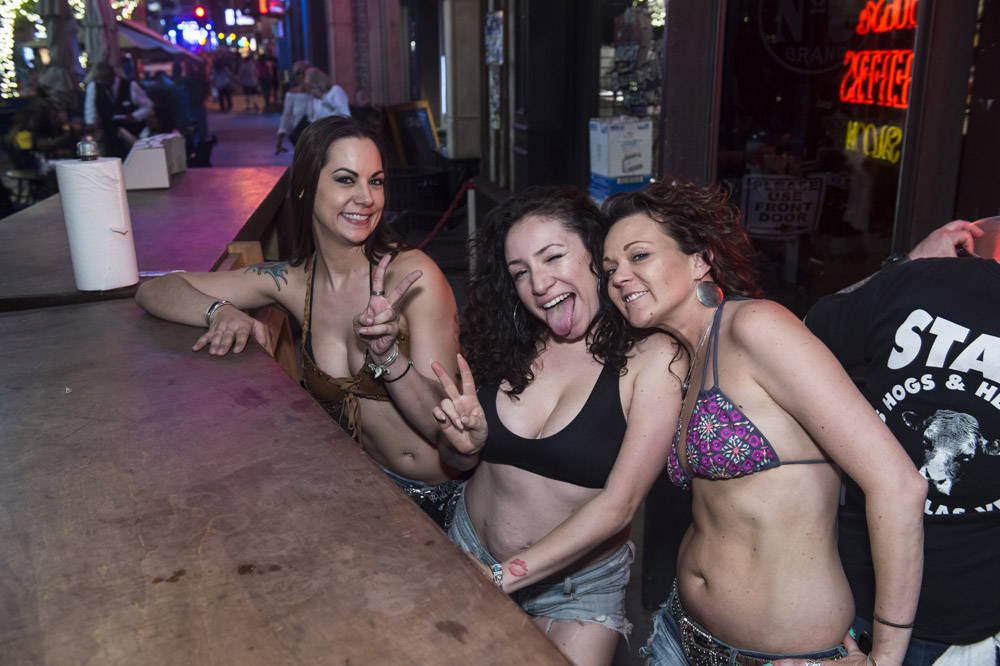 Hogs_and_Heifers_Saloon_Las_Vegas_0203