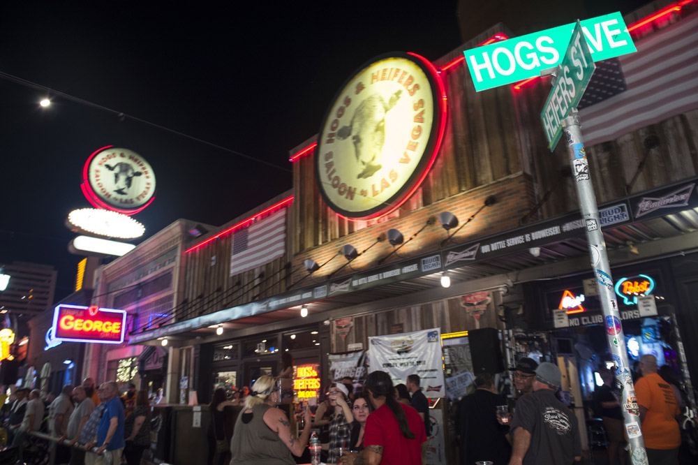 Hogs_and_Heifers_Saloon_Las_Vegas_0207