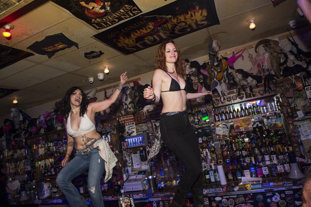 Hogs_and_Heifers_Saloon_Las_Vegas_0218