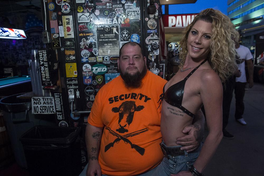Hogs_and_Heifers_Saloon_Las_Vegas_0350