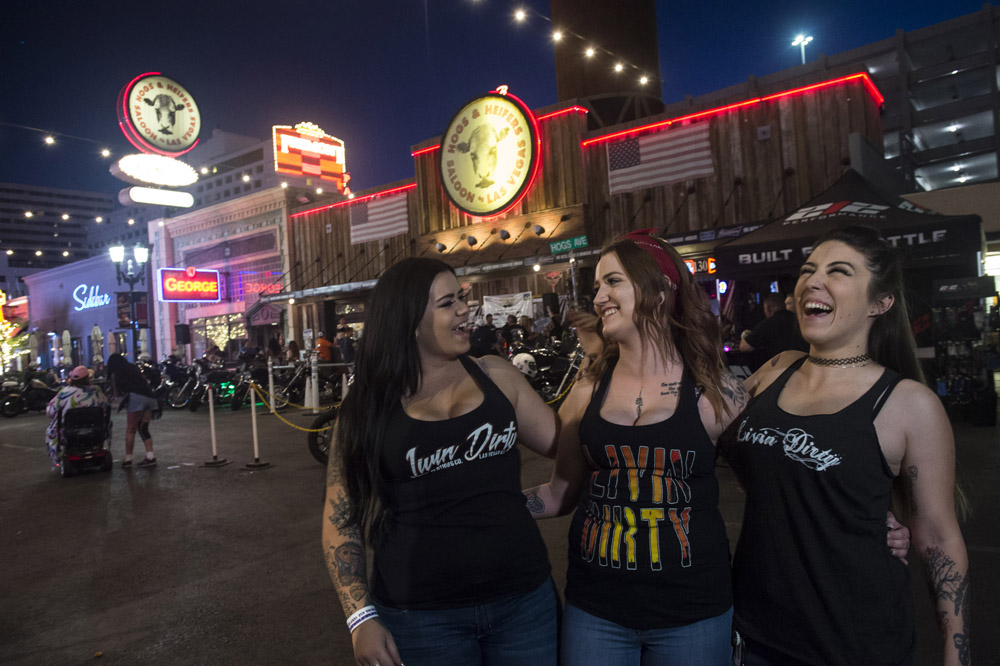 Hogs_and_Heifers_Saloon_Las_Vegas_0360