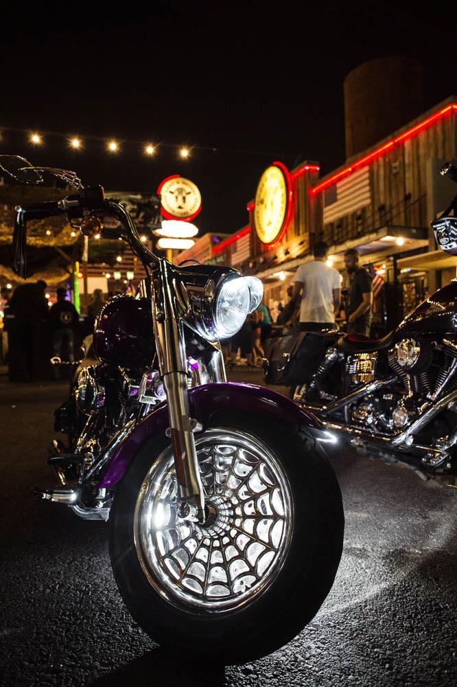 Hogs & Heifers Saloon_Las Vegas _Biker Bar0305