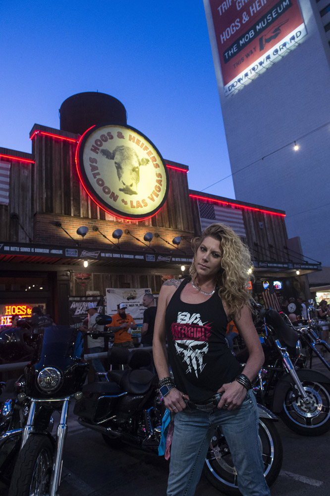 Hogs & Heifers Saloon_Las Vegas _Biker Bar0316