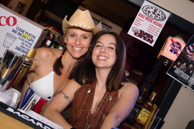 Hogs & Heifers Saloon_Las Vegas_Bartenders_0019