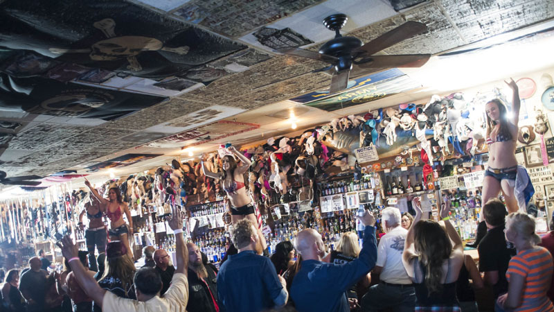 Hogs & Heifers Saloon_Las Vegas_Bartenders_0118