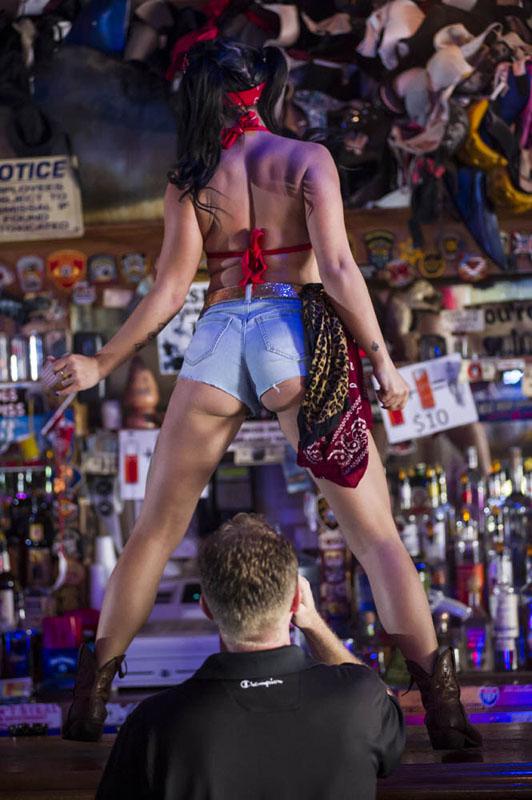 Hogs & Heifers Saloon_Las Vegas_Bartenders_0211