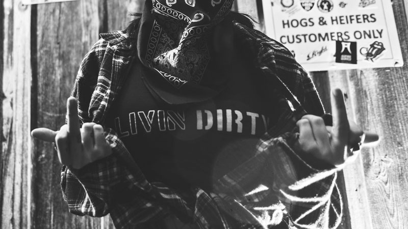 Livin' Dirty by noremaC Studios_0092