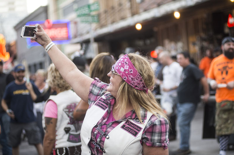 Babes_in_the_Alley_Hogs_and_Heifers_Sturgis_2018_0026