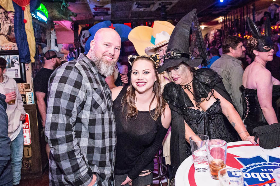 Hogs & Heifers Saloon_SEMA_000171