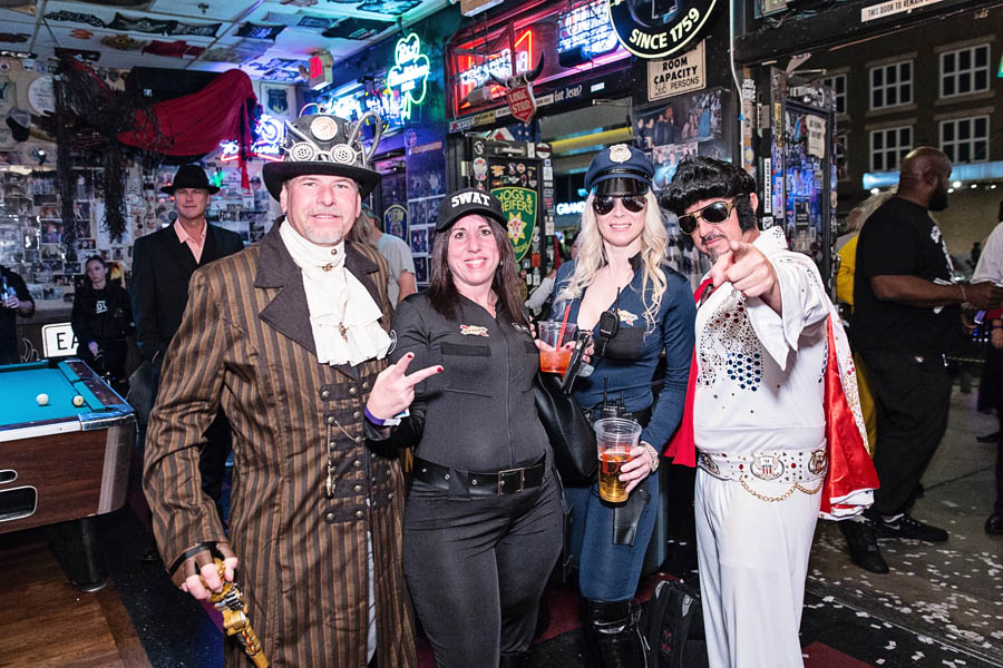 Hogs & Heifers Saloon_SEMA_000172