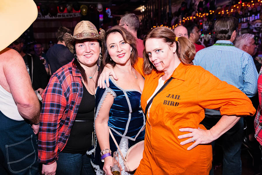 Hogs & Heifers Saloon_SEMA_000191