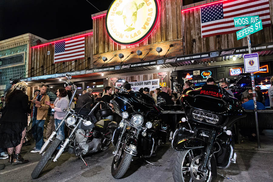 Hogs & Heifers Saloon_SEMA_000212