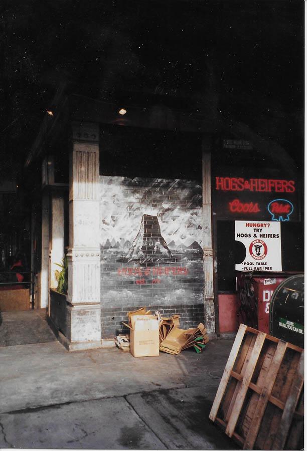 Hogs & Heifers Saloon_New York_400032