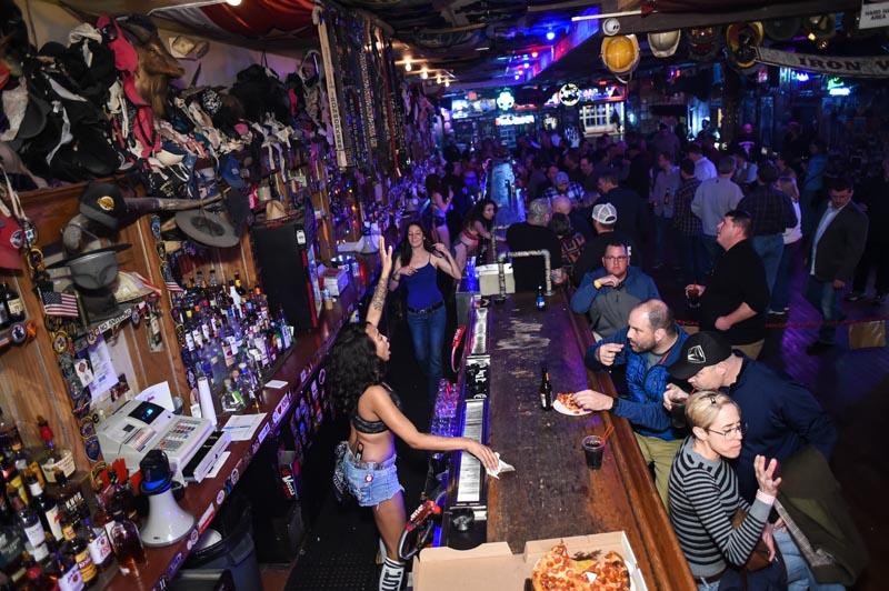 Hogs & Heifers Saloon Las Vegas_000207