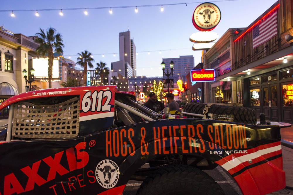Hogs & Heifers Saloon_Pistol Pete_Mint 400_600780