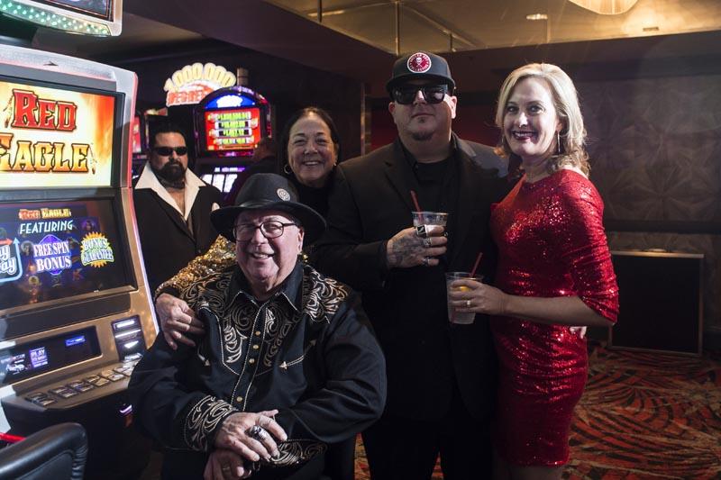 Hogs & Heifers Saloon Las Vegas_Moonshine Bandits_006460