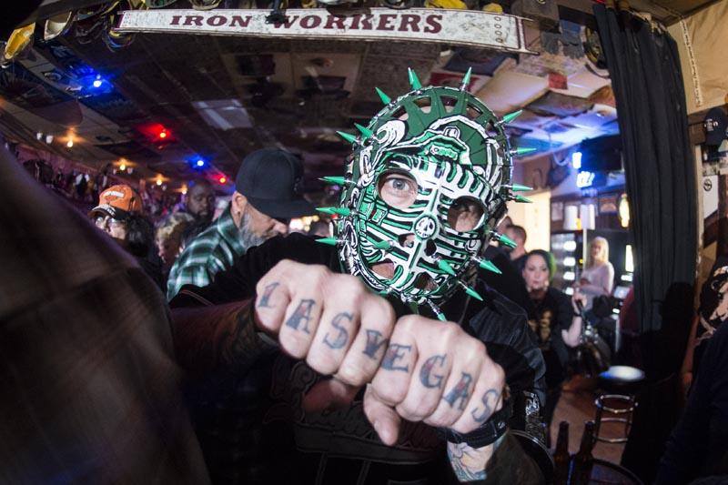Hogs & Heifers Saloon Las Vegas_Moonshine Bandits_006508