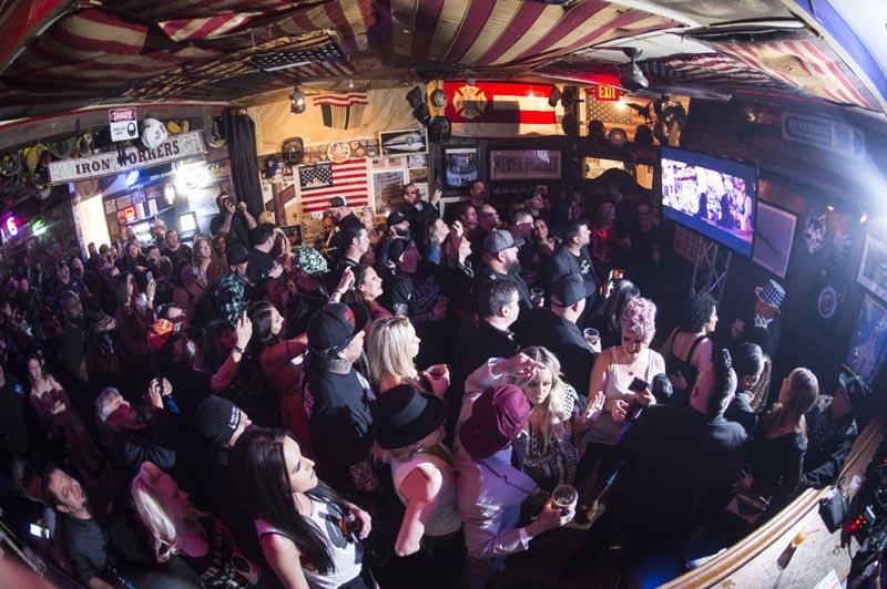 Hogs & Heifers Saloon Las Vegas_Moonshine Bandits_006518
