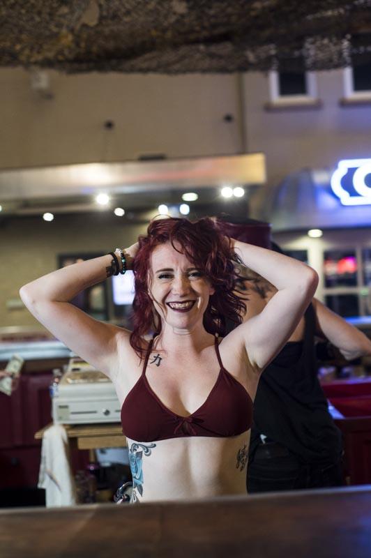 Hogs & Heifers Saloon Las Vegas_Bartender_690829