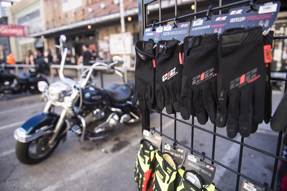Hogs & Heifers Saloon Las Vegas_Motorcycle Rally_000330