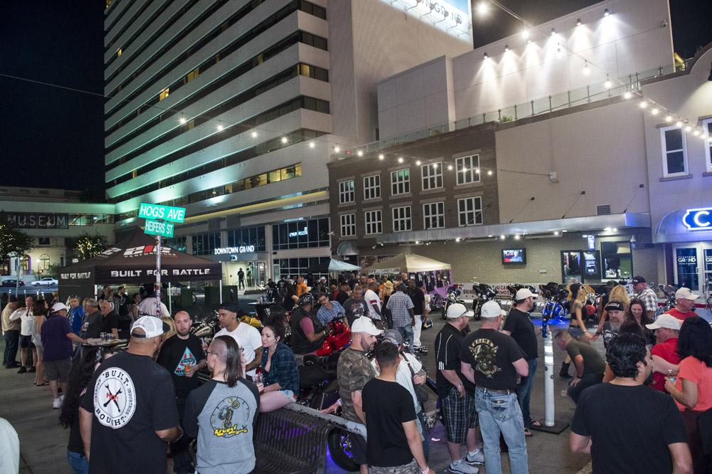 Hogs & Heifers Saloon Las Vegas_Motorcycle Rally_000357