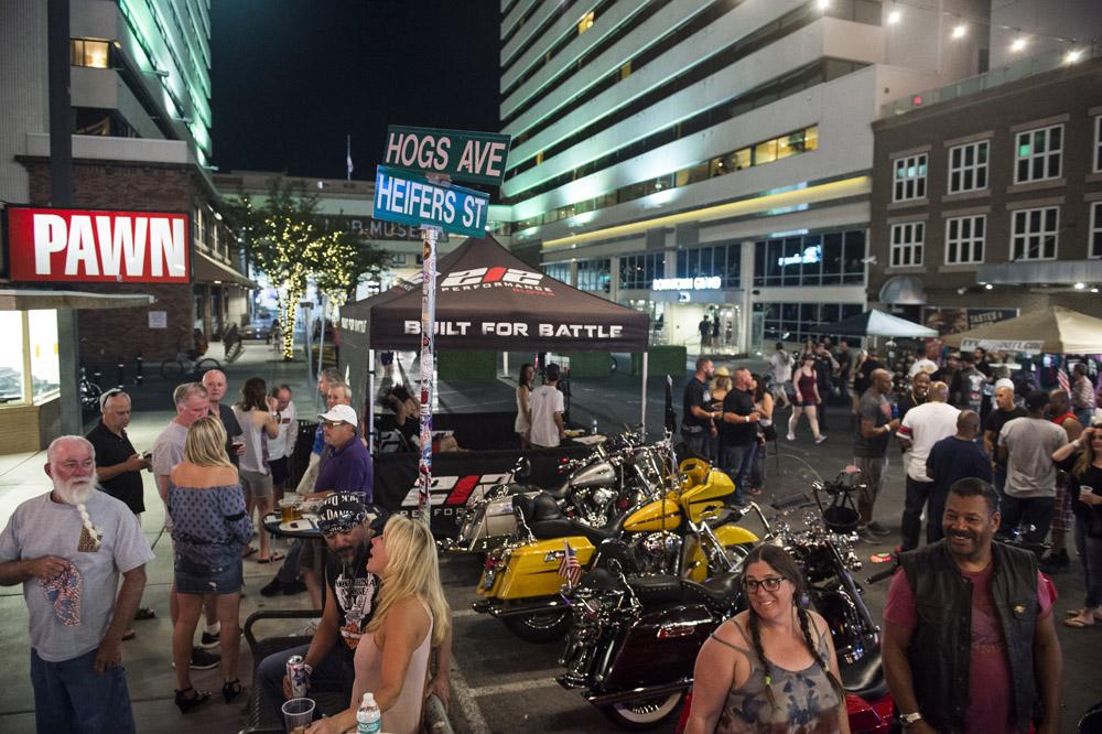 Hogs & Heifers Saloon Las Vegas_Motorcycle Rally_000362