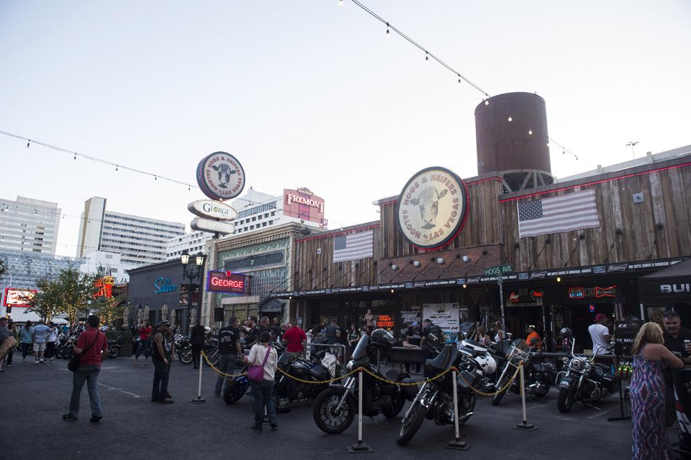 Hogs & Heifers Saloon Las Vegas_Motorcycle Rally_000410