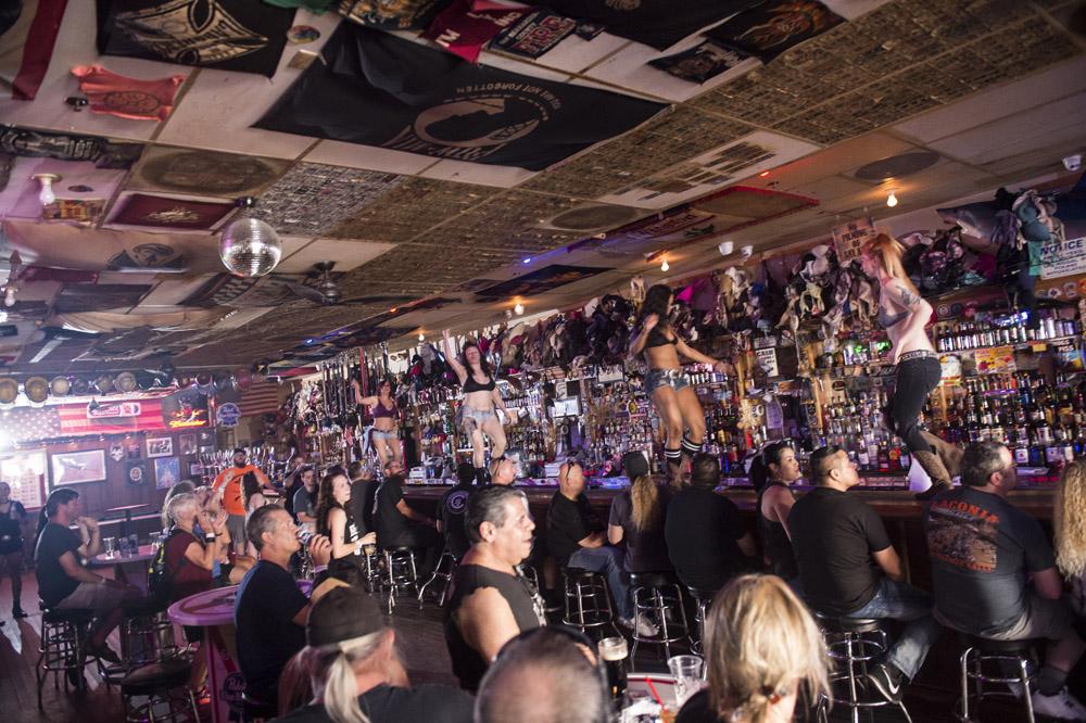 Hogs & Heifers Saloon Las Vegas_Motorcycle Rally_000477