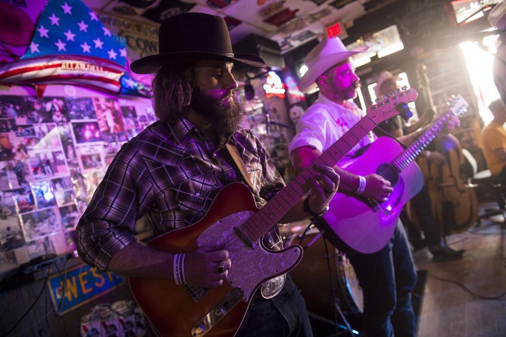 Hogs & Heifers Saloon Las Vegas_Motorcycle Rally_000490