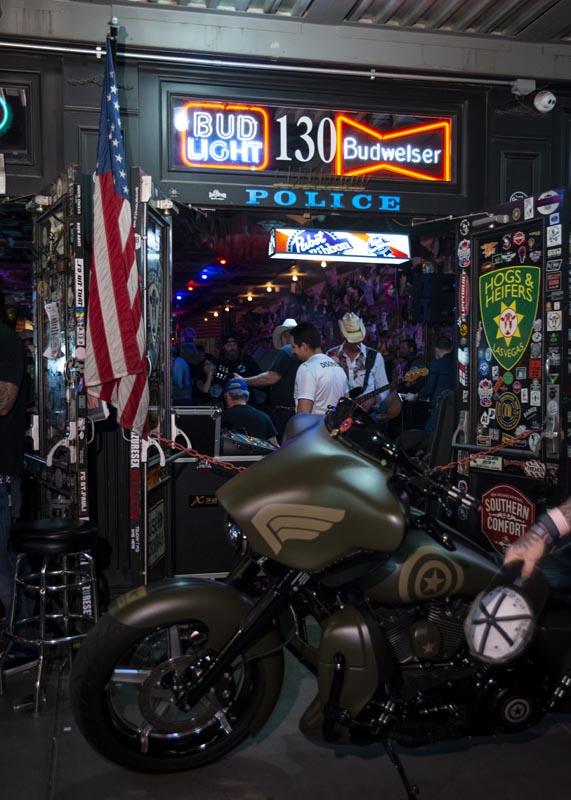 Hogs & Heifers Saloon Las Vegas_Motorcycle Rally_000545