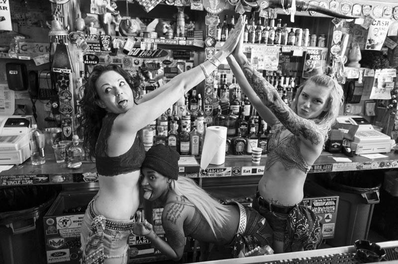 Hogs & Heifers Saloon Bartenders_000840