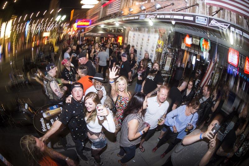 Hogs & Heifers Saloon Punk Rock Bowling_001138