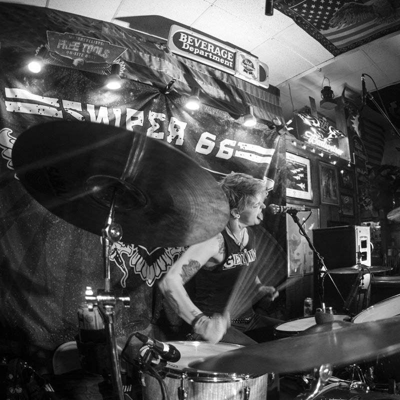 Hogs & Heifers Saloon Punk Rock Bowling_001165