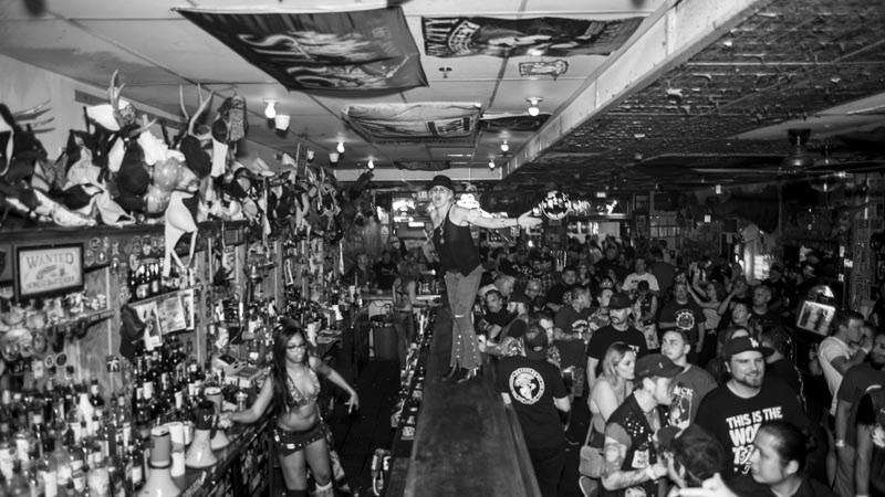Hogs & Heifers Saloon Punk Rock Bowling_001235