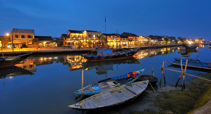 Hue to Hoi An by private car what to see on the way?