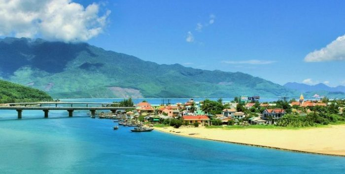 Central Vietnam highlights tour 6 days
